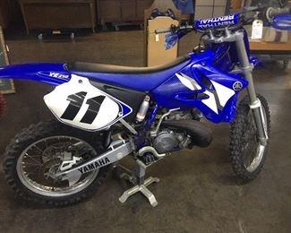 2002 Yamaha YZ250 Motorcycle