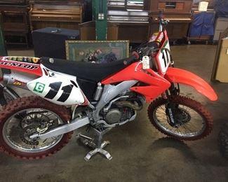 2002 Honda CRF450R Motorcycle