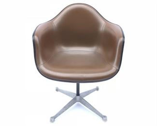 Lot 8 1960's Eames Chair - Herman Miller