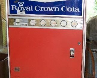 RC Vintage Vending Machine