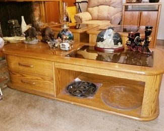 Oak coffee table and 2 matching end tables  $40 for all 3 pcs! SATURDAY