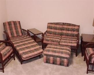 Much furniture!! Antique and modern. 7 pcs. Rattan indoor/outdoor set