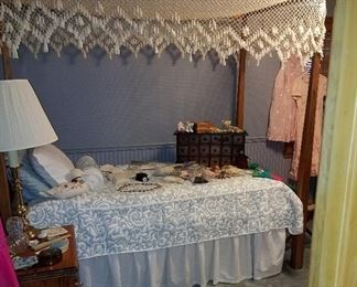4 post twin bed set
