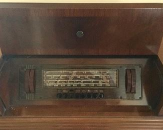 Close up of Vintage Radio controls