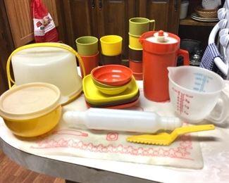 Mini Tupperware set