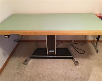 DRAFTING TABLE, ELECTRIC, RAISES UP AND DOWN, TILTS