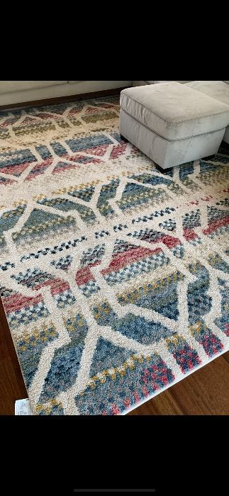 8/11 rug excellent condition $150