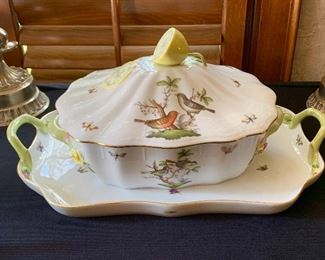 A lovely Herend Rothschild turren, matching platter.