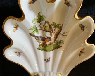Lovely herend shell dish.