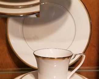 China Service Noritake Gold and Paltinum