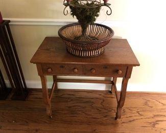 Tiger oak table/desk. Decor.