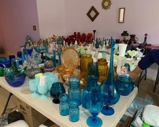 Fenton, Blenko, and other pieces of collectible glass.