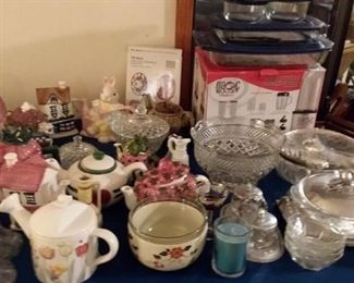 Vintage teapots, glass, cookware and bakeware, servingware and more!