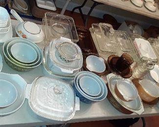 Pyrex, Corning ware, bake ware