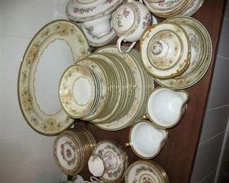 Large group of Minto China 'Charm'