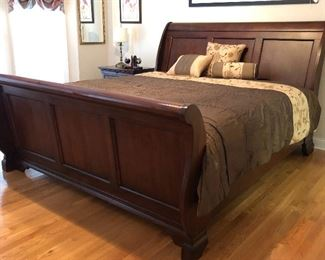 Bassett King Sleigh Bed