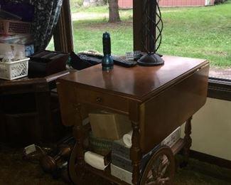 Roll service cart