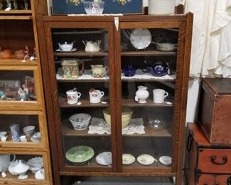 New to the floor today! Oak china hutch