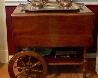 Tea wagon in excellent condition.