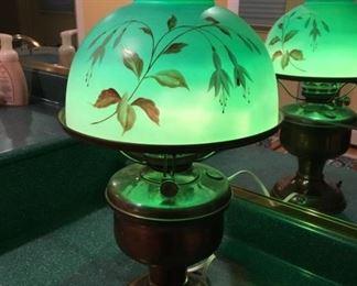 8382 HandPainted Brass Lampmin
