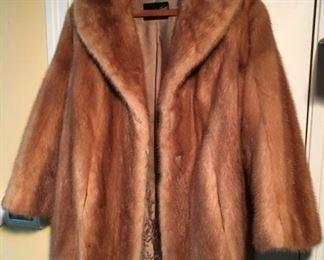 8382 Vintage Fur Coatmin