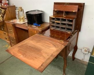 Early Paymaster Desk
