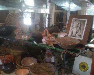Potterty, Baskets, Figurines