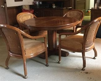 Very nice Drexel expandable table with 4 upholstered chairs on casters - dining or game table.