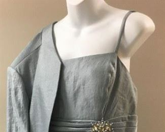 If you're looking for 2019 elegance, try this flapper-inspired dress and jacket.