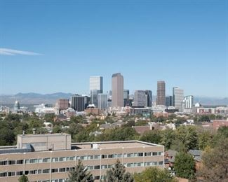 Awesome view of Denver skyline!