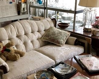 white, Victorian couch set