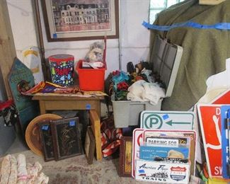 Many vintage fabric pieces, handkerchiefs, scarves, pennants, flags, and more.