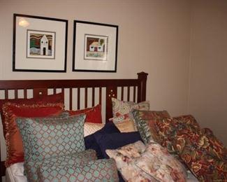 Drexel queen bed /Loads of darling pillows