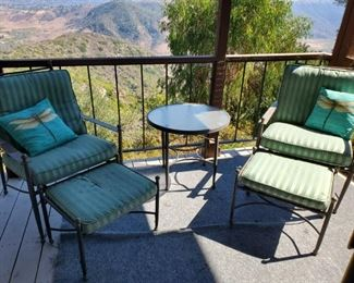 Yet ANOTHER Patio Set! (They're are 3 decks here)
