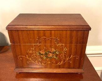 Wooden box flower motif