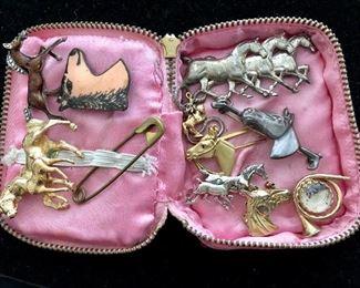 Horsey pins