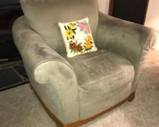 Rolled arm side chair