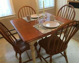 Dinette table w/ 4 oak Windsor style chairs