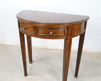 SemiCircle Table