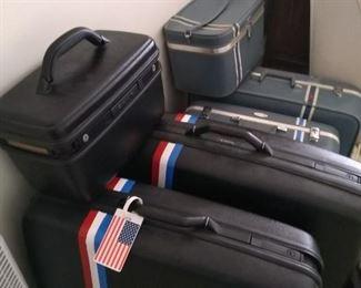 American Tourester Luggage. 3 piece.