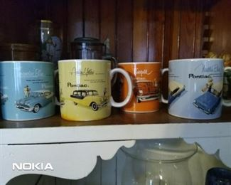 Vintage set of 4 Pontiac coffee mugs. Money made from this sale will go to American Kidney Foundation!