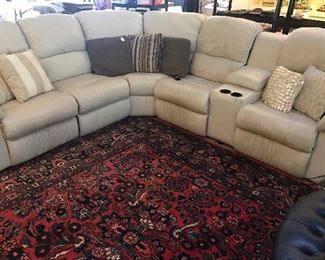 LEATHER SECTIONAL SOFA W/ POWER RECLINERS