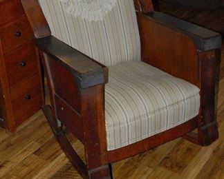 1930s Oak Arts and Crafts/ Mission Chair