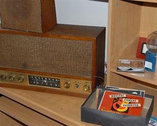 Curtis Mathes radio