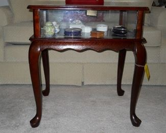 another picture of curio table