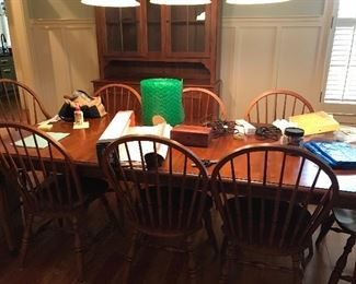 Ethan Allen dinning table 75 inches long.....has one removable leaf.  8 chairs available.