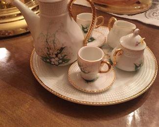 Mini tea service