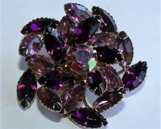 Lot 010 Juliana Brooch pin