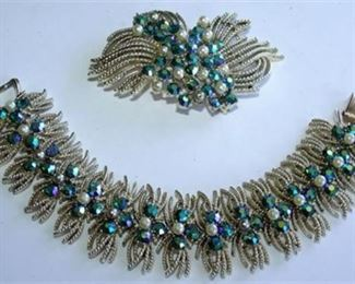 Lot 012 VTG Coro bracelet Brooch