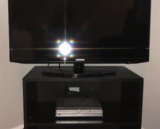 TV stand' Samsung flatscreen tv